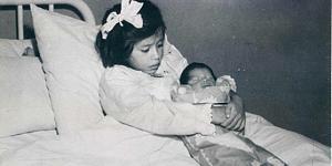 Pulsa en la imagen para verla en tamaño completo  Nombre: lind-medina-five-year-old-mother1-558x279.jpg Visitas: 7695 Tamaño: 34.7 KB ID: 1811