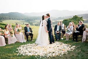 Pulsa en la imagen para verla en tamaño completo  Nombre: boda.jpg Visitas: 331 Tamaño: 46.8 KB ID: 2025
