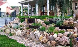 Pulsa en la imagen para verla en tamaño completo  Nombre: decoracion-de-jardines-con-piedras1.jpg Visitas: 46785 Tamaño: 35.0 KB ID: 454